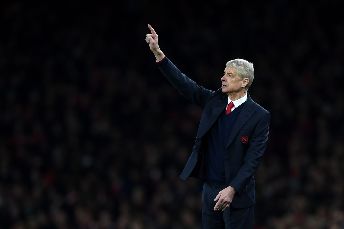 why is Arsene hailing a taxi