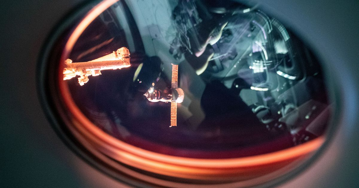 SpaceX's Crew Dragon performing 'beautifully' on ISS as NASA eyes a backup ride - The Verge