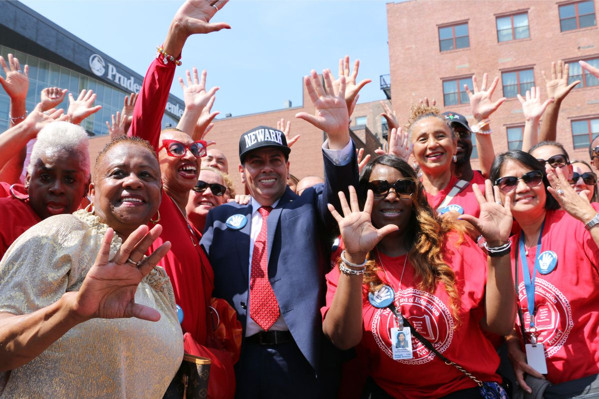 """Superintendent León called his back-to-school campaign """"Give Me Five!"""""""