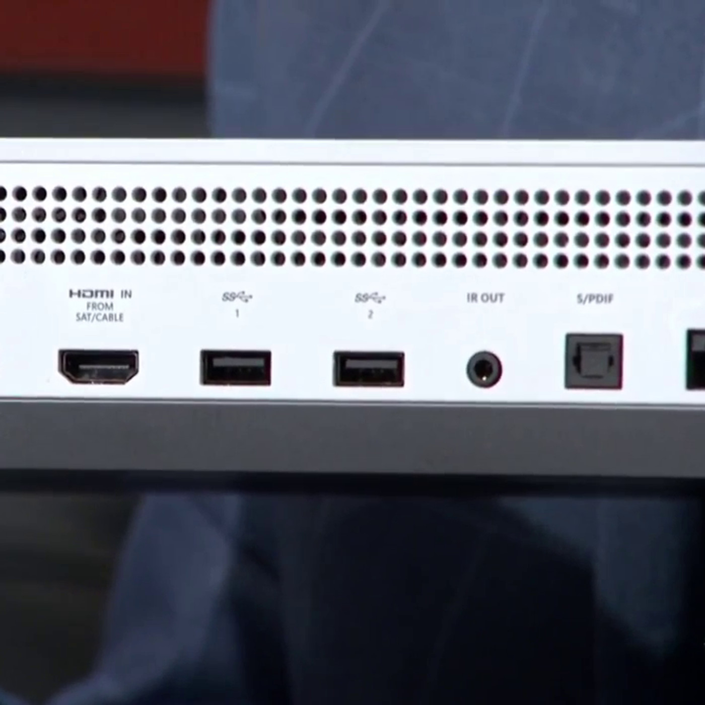 Xbox One S Console Has No Kinect Port Requires Usb Adapter Update Wiring 2 Gang Recepitacle Youtube Polygon