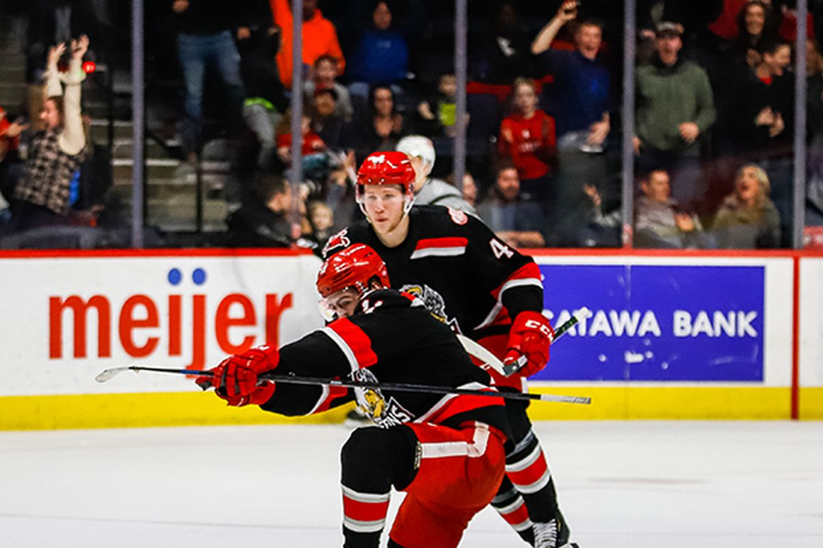 Griffins Stun Rampage With Three Late Goals in Overtime Win