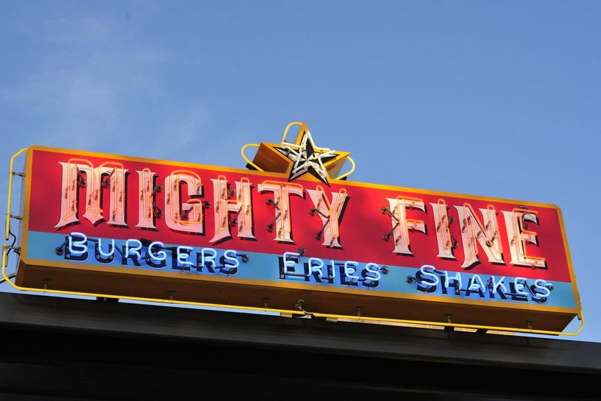 Mighty Fine Burgers in Round Rock