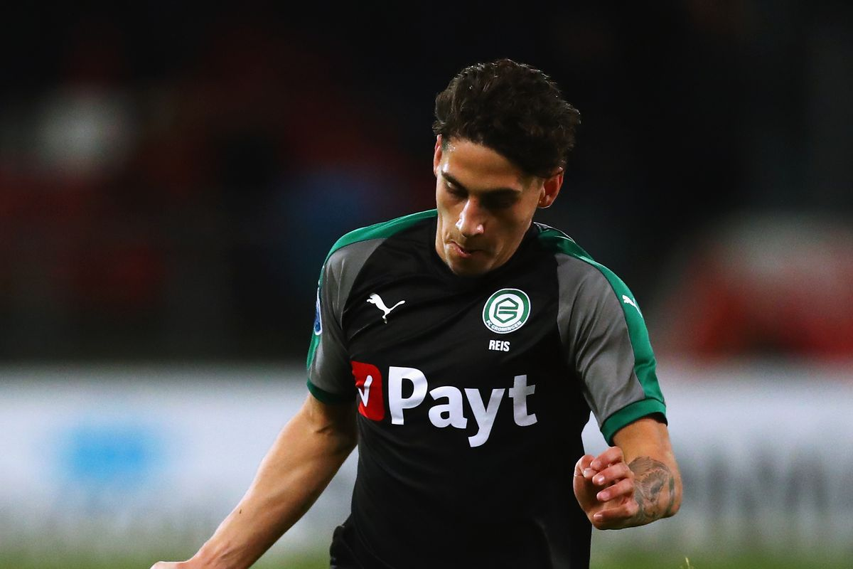 Barcelona close to signing Dutch prospect, confirms Groningen CEO