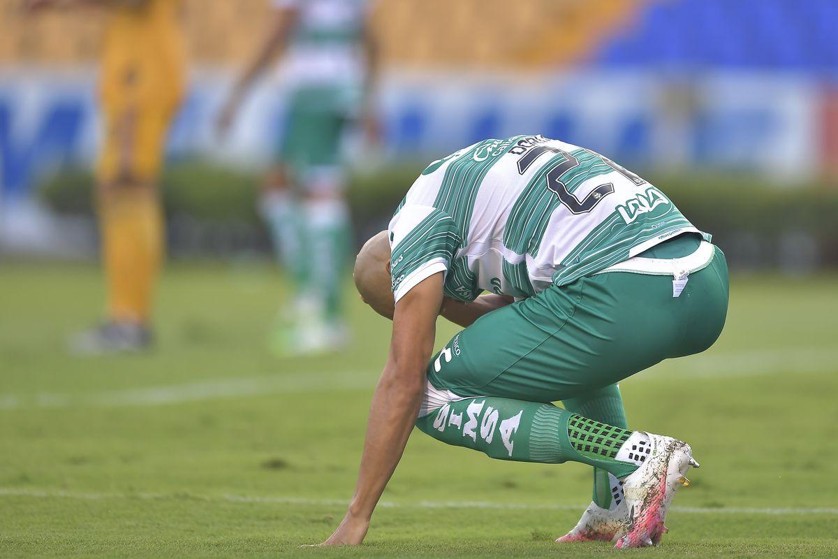 Tigres UANL v Santos Laguna - Torneo Guard1anes 2020 Liga MX