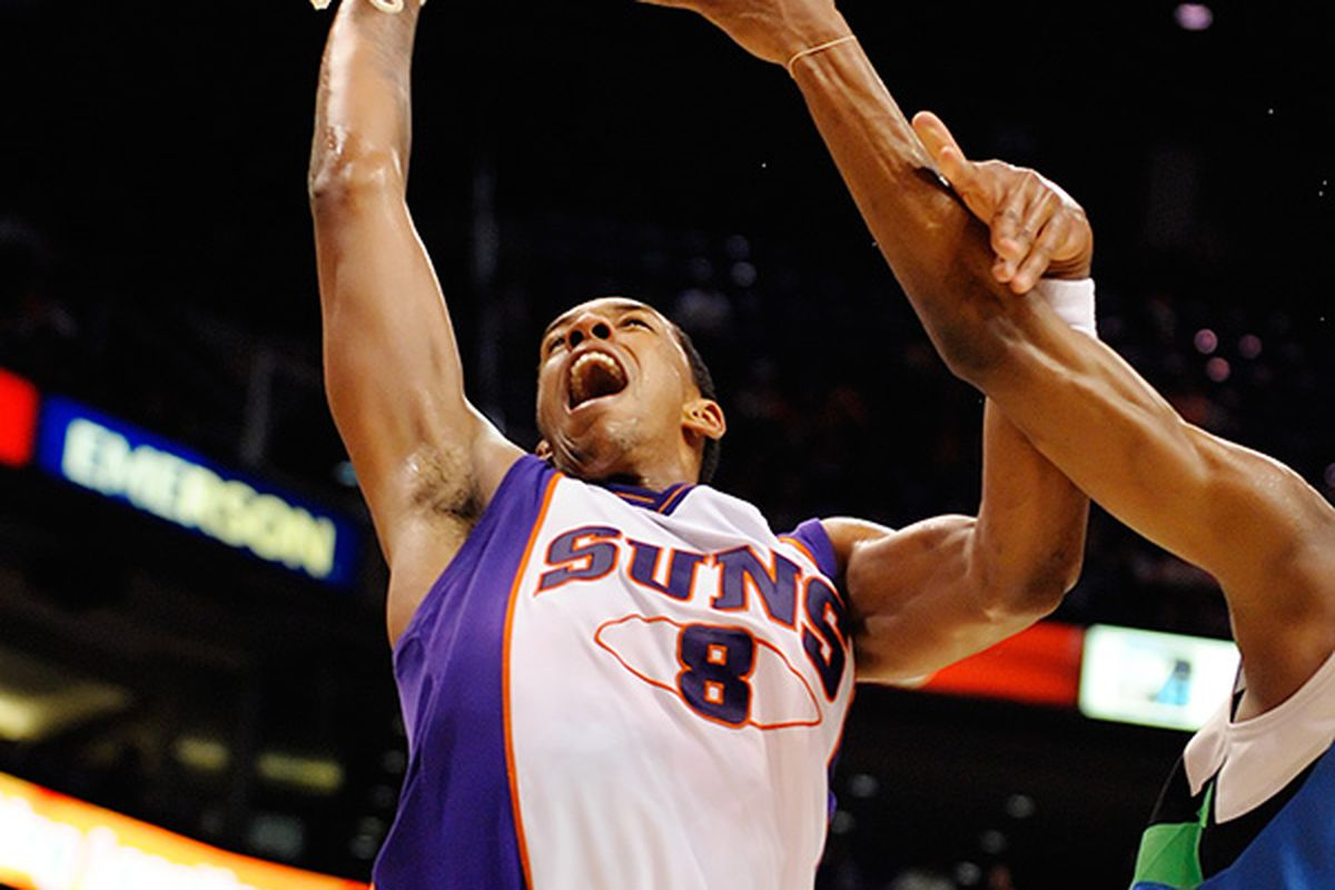 Channing Frye lead the Suns with 25 points including 6 three-pointer. The Suns defeated the Timberwolves 120 to 112 and are 3-0 to open the season. (Photo by Max Simbron)