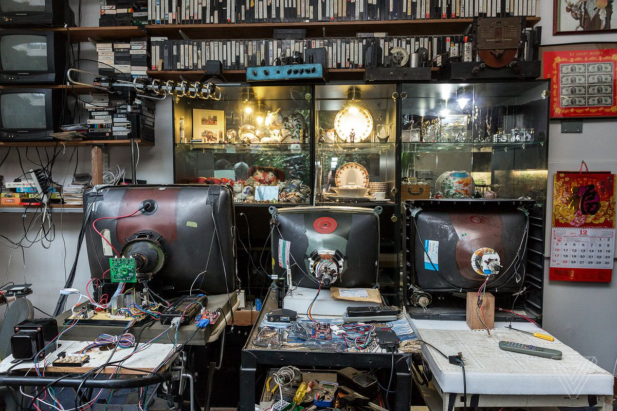Inside The Desperate Fight To Keep Old Tvs Alive Verge Crt Monitor Block Diagram Electronics Repair And Technology News Photo By James Bareham