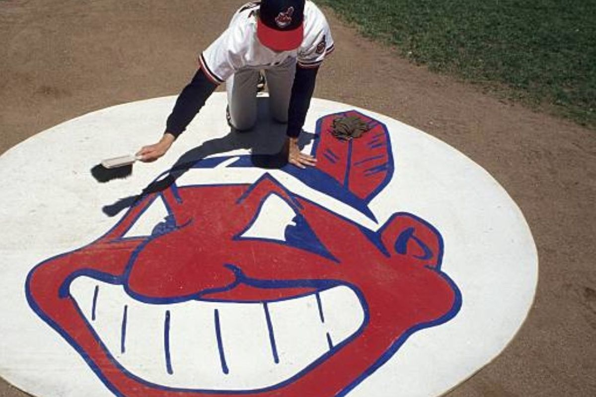 d0d6790ee65a4 Indians will continue to sell Chief Wahoo merchandise - Chicago Sun ...