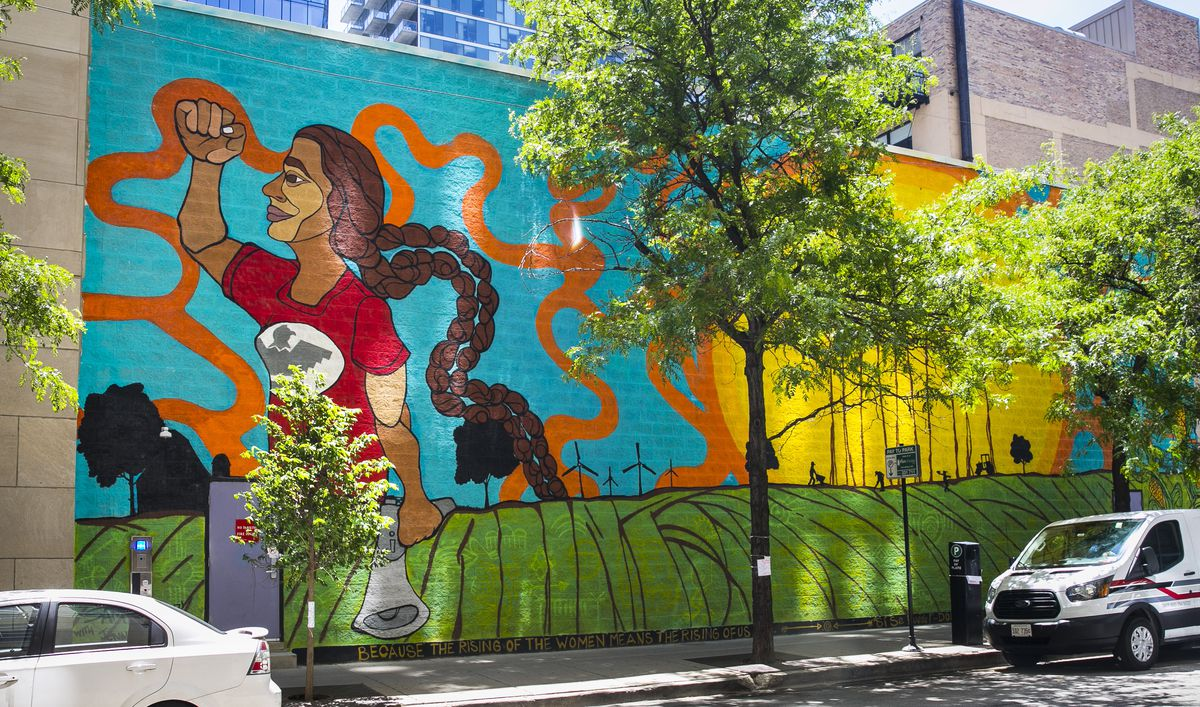 """Sam Kirk's """"Si Se Puede"""" mural at 1306 S. Michigan Ave."""