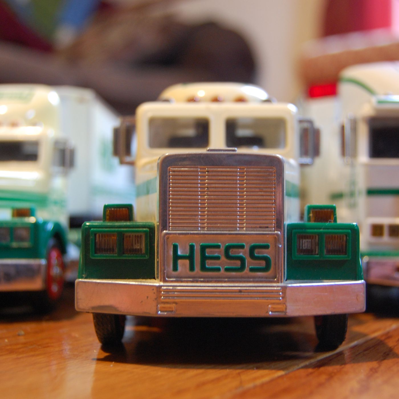 2000 Hess Truck Fire Engine Truck Hess Oil /& Gasoline Station Holiday Promo
