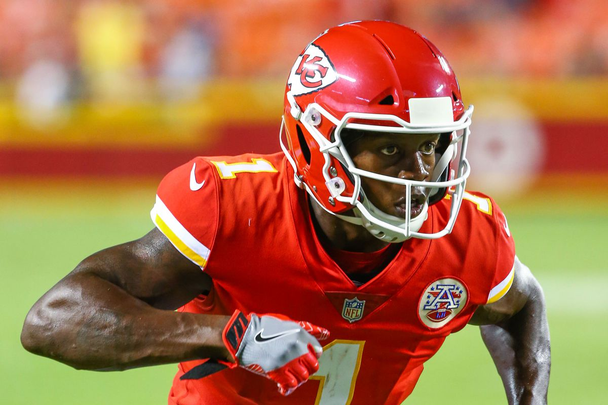 new styles 7cc9c 6f2ad Chiefs' Byron Pringle posts video with son; Mitch Holthus ...