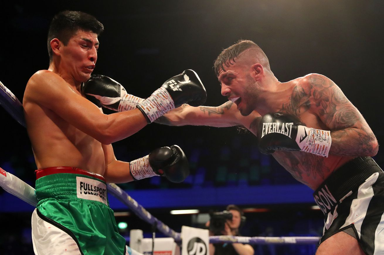 1137812558.jpg.0 - Ritson bounces back with win over Benitez