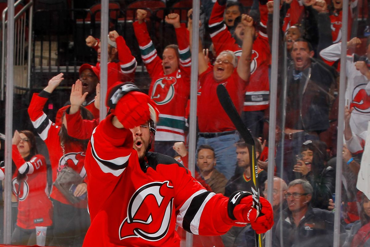buy popular fc4f0 de444 Recap: New Jersey Devils Stay Hot by Shutting Out the Dallas ...