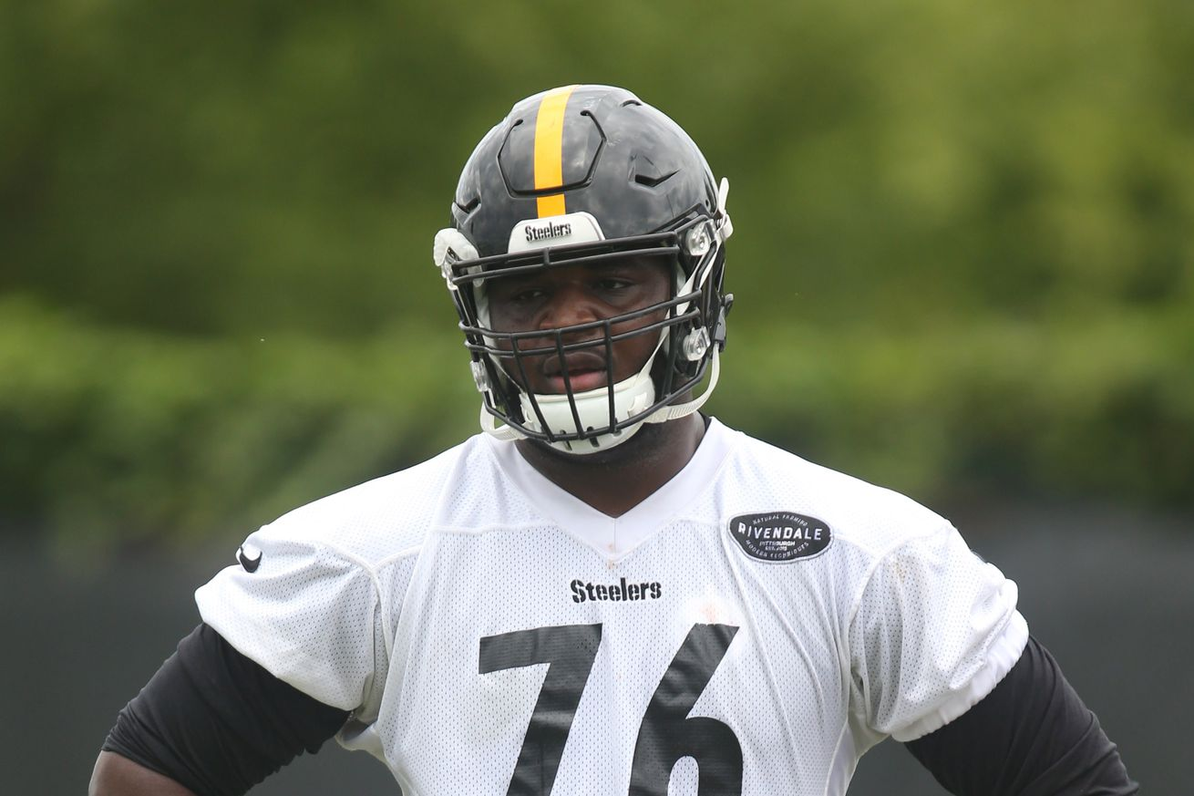 """Mike Munchak on rookie tackle Chukwuma Okorafor """"we drafted that guy for a reason"""""""