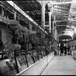 """The old Washington Market on Washington and Fulton Street, 1933 by Samuel H. Gottscho. From the Collections of the Museum of the City of New York. [<a href=""""http://collections.mcny.org/MCNY/C.aspx?VP3=ViewBox&IT=ZoomImageTemplate01_VForm&IID=2F3XC"""
