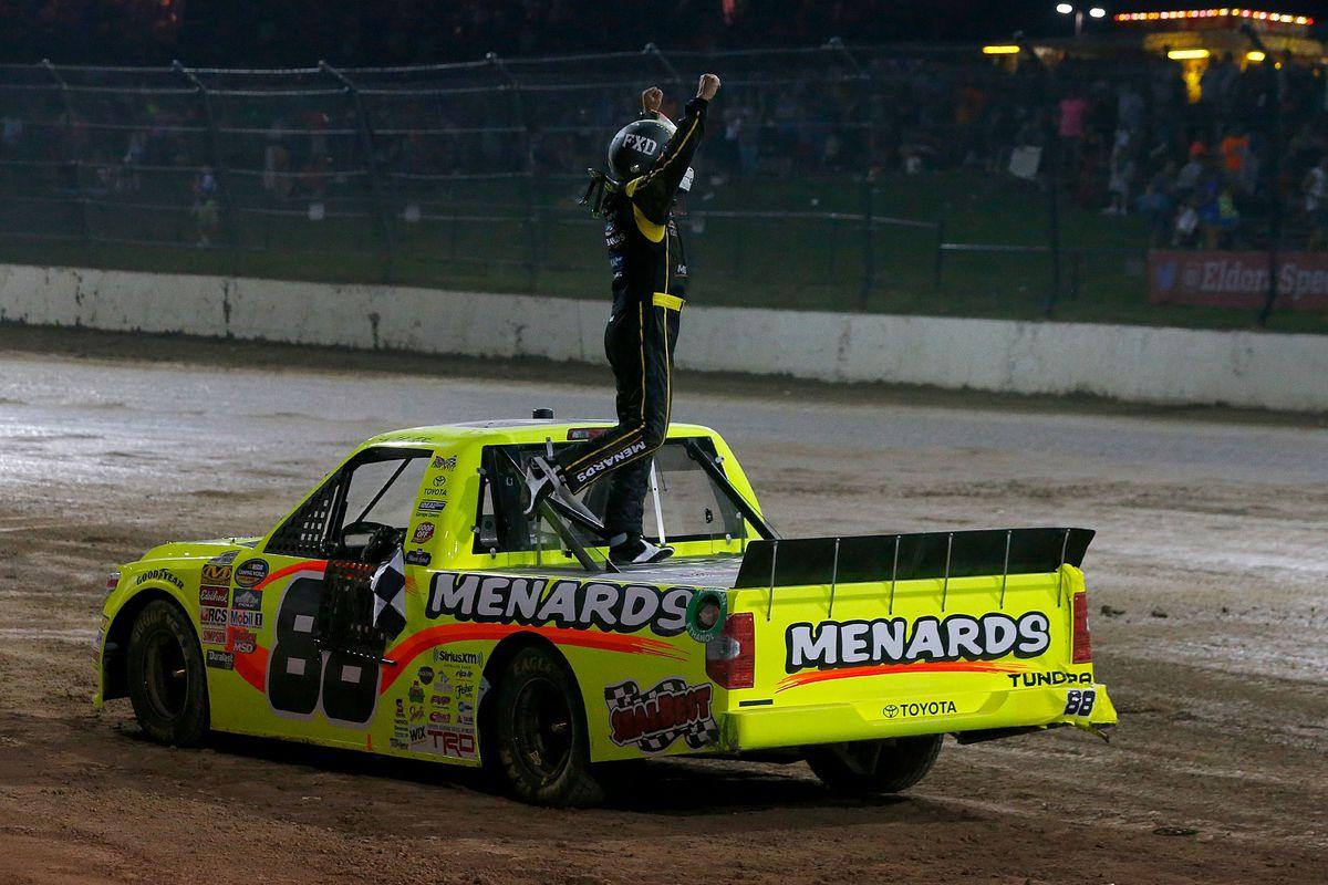 nascar truck series at eldora results: matt crafton wins dirt derby