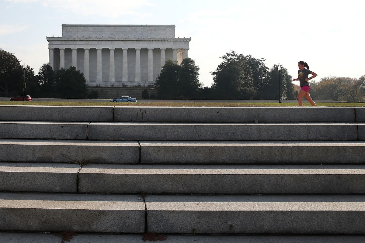 Unseasonably Warm Weather In D.C. Pushes Temps Near 80's