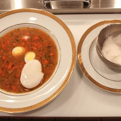 Espuma is served on the side, to be added to taste.