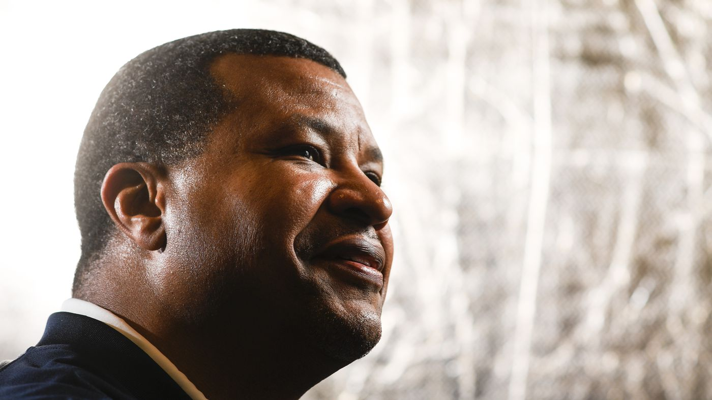 Watch Steve Atwater's reaction upon getting the knock at the Hall of Fame door