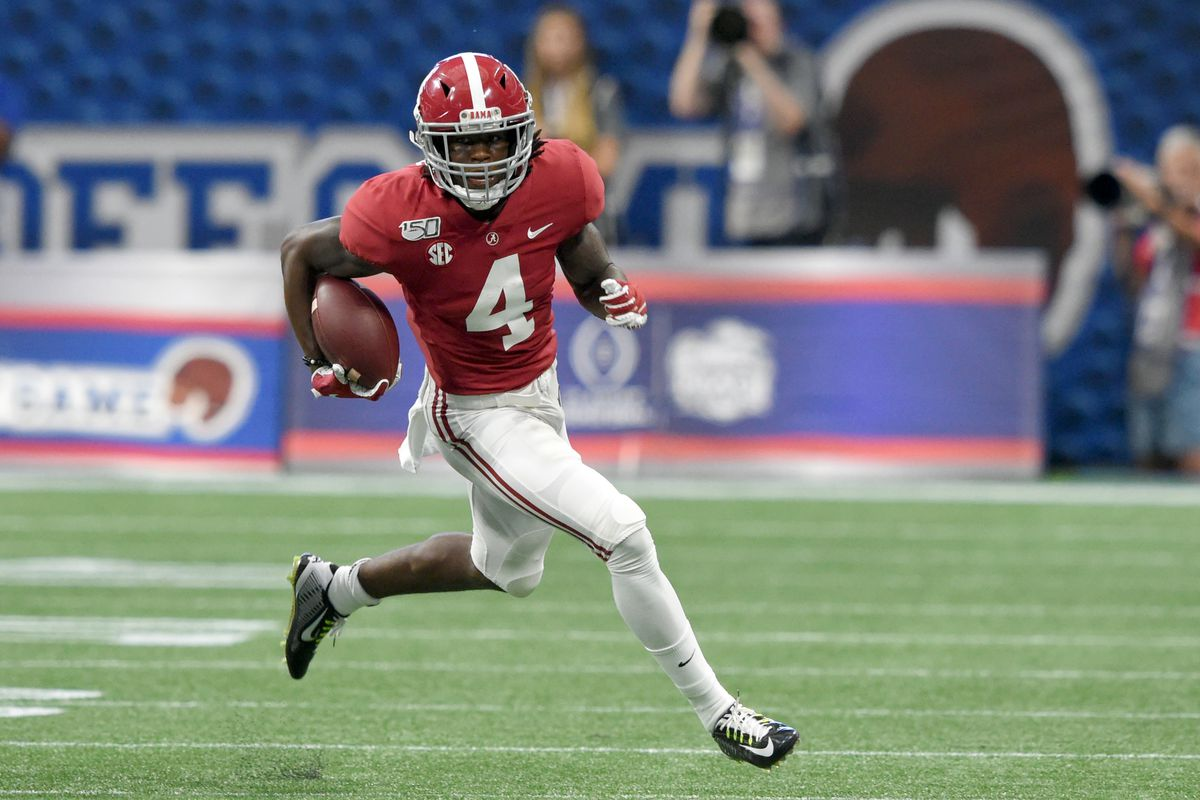 Alabama Crimson Tide wide receiver Jerry Jeudy carries the ball up the field against the Duke Blue Devils during the first quarter at Mercedes-Benz Stadium.