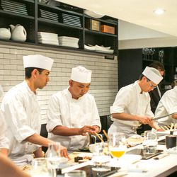 """<a href=""""http://ny.eater.com/archives/2014/06/sushi_nakazawa_restaurant_review.php"""">Review: Sushi Nakazawa's Stunning Fish, Service Hiccups</a>"""