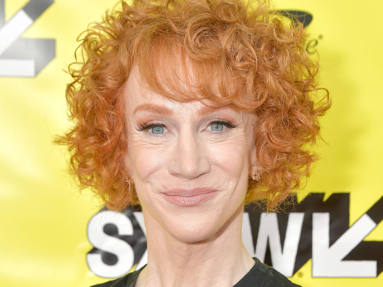 Kathy Griffin says Twitter CEO Jack Dorsey should resign and she wouldn't let Facebook CEO Mark Zuckerberg into her house