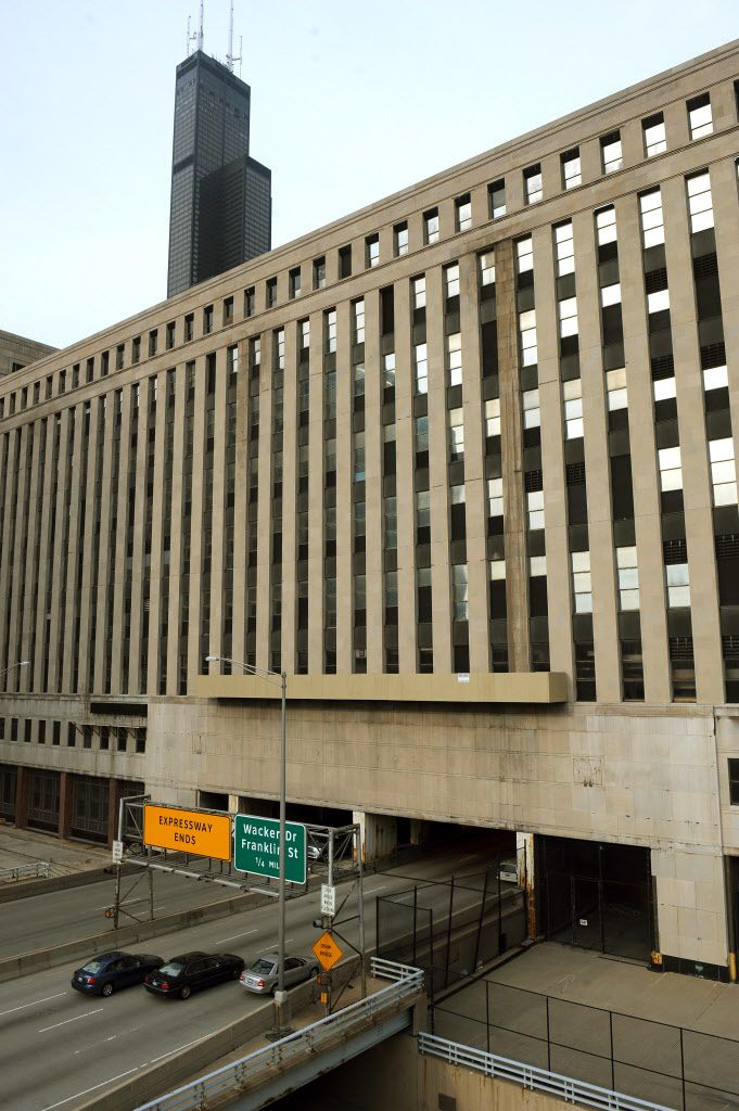 Chicago's Old Main Post Office, which was shut down in 1995, has remained a hulking white elephant straddling Congress Parkway ever since. Sun-Times file photo