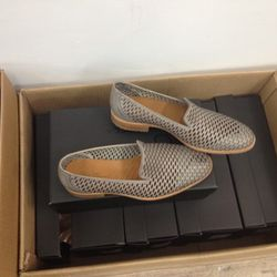 Men's Handmade leather perforated shoes, $80