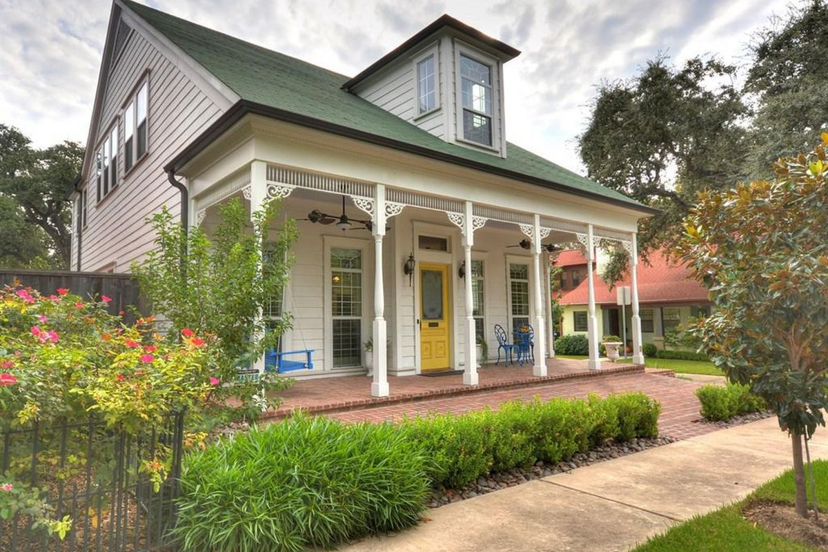 New home built in Southern Victorian style