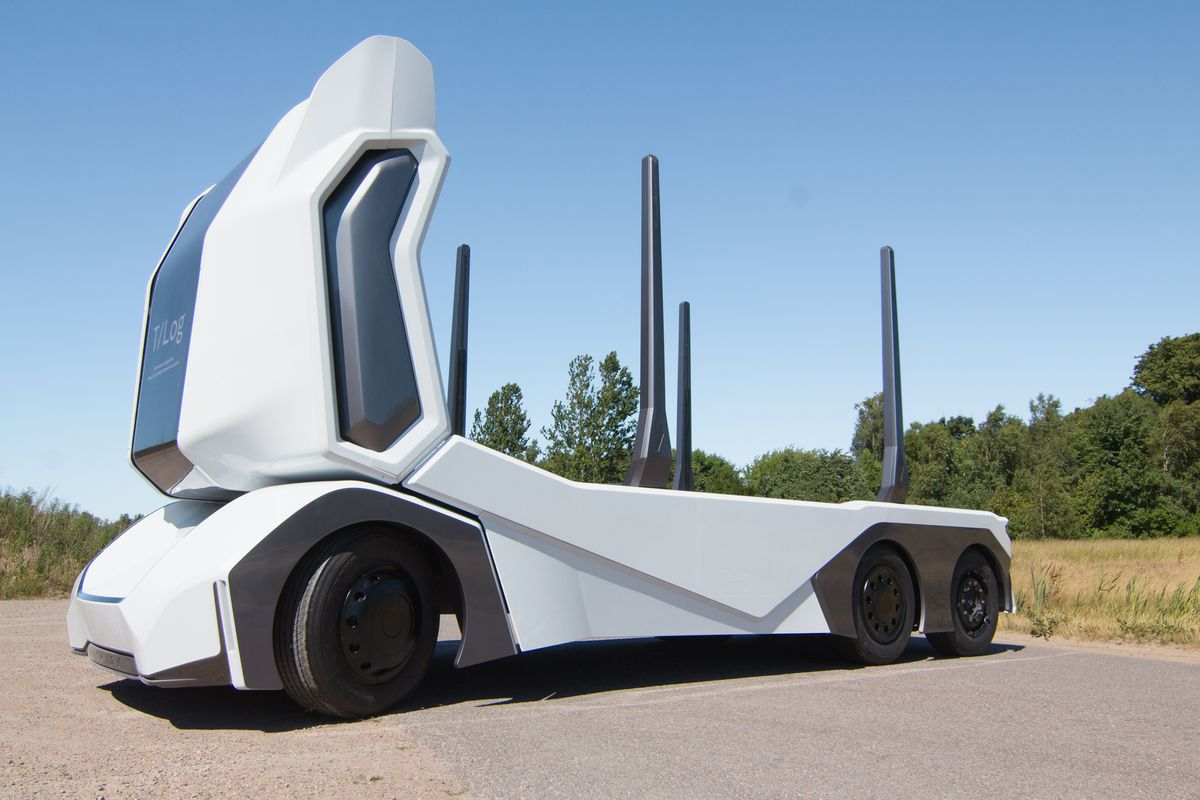 this electric driverless logging truck can carry up to 16 tons of