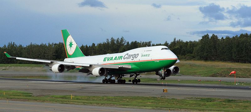 An EVA Air cargo flight landing in Anchorage, Alaska. | Frank Kovalchek / Creative Commons