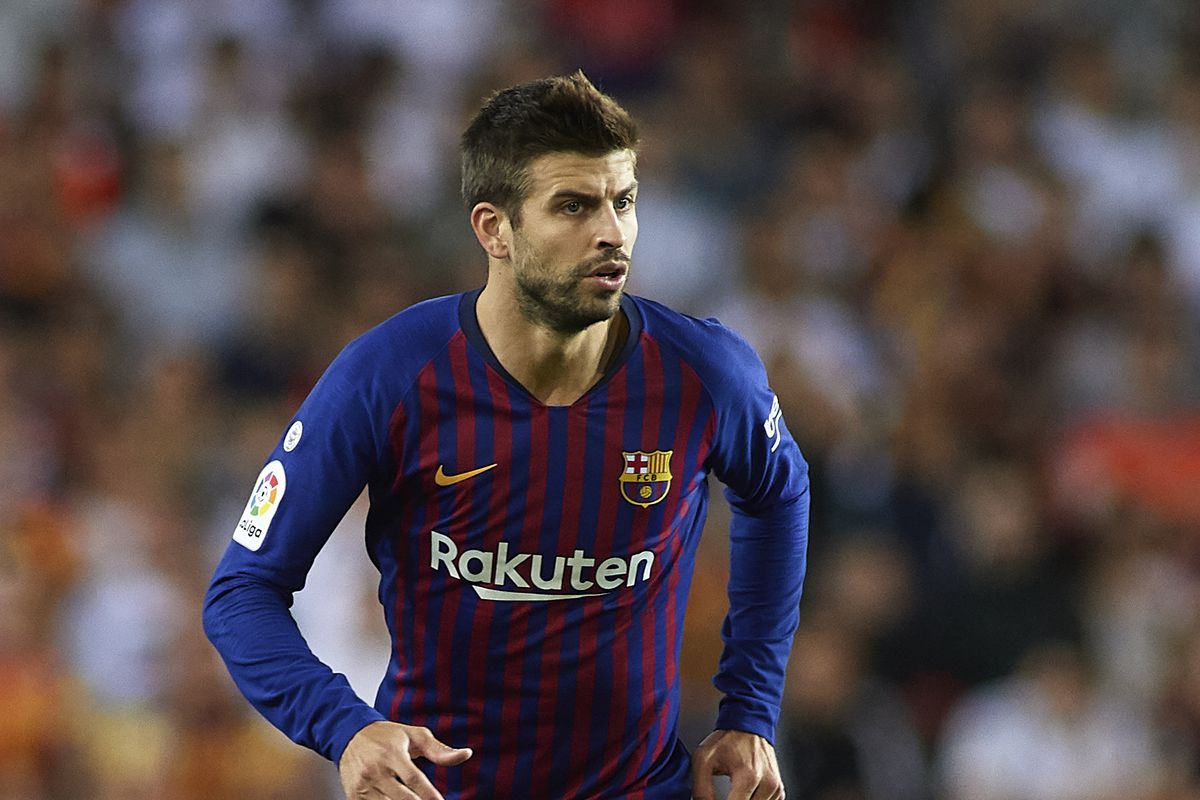 Gerard Pique gives Ousmane Dembele some advice on how to succeed at Barca