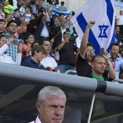 Israel's national soccer team  head coach Luis Fernandez from France looks onduring an international friendly soccer match between the national soccer teams of Ivory Coast and Israel at the Stade de Geneve stadium in Geneva, Switzerland, Wednesday, Aug. 10, 2011.