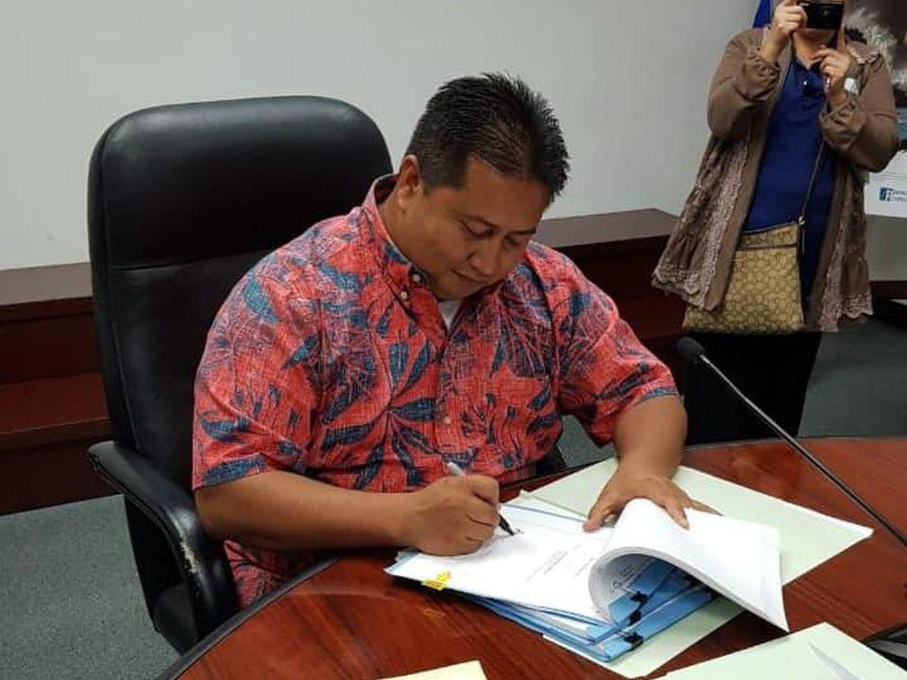 Northern Mariana Islands Gov. Ralph Torres (R) signs a bill fully legalizing marijuana.