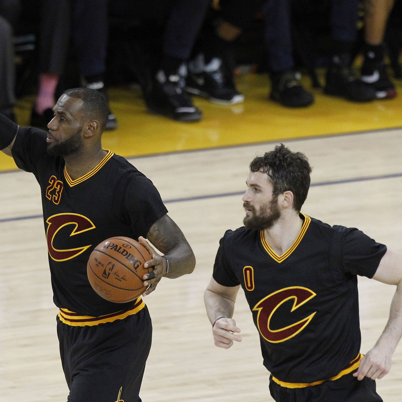 71a06dbe5996 Kevin Love wanted a high-five from LeBron but got yelled at instead -  SBNation.com