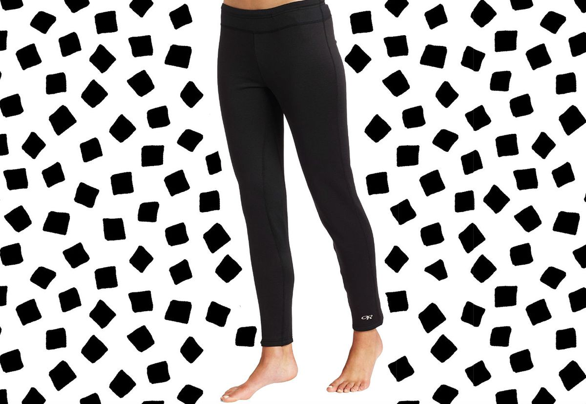 A model wearing black running tights
