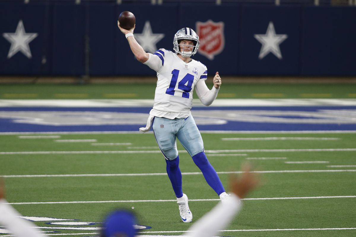 Dallas Cowboys quarterback Andy Dalton throws a pass in the fourth quarter against the New York Giants at AT&T Stadium.