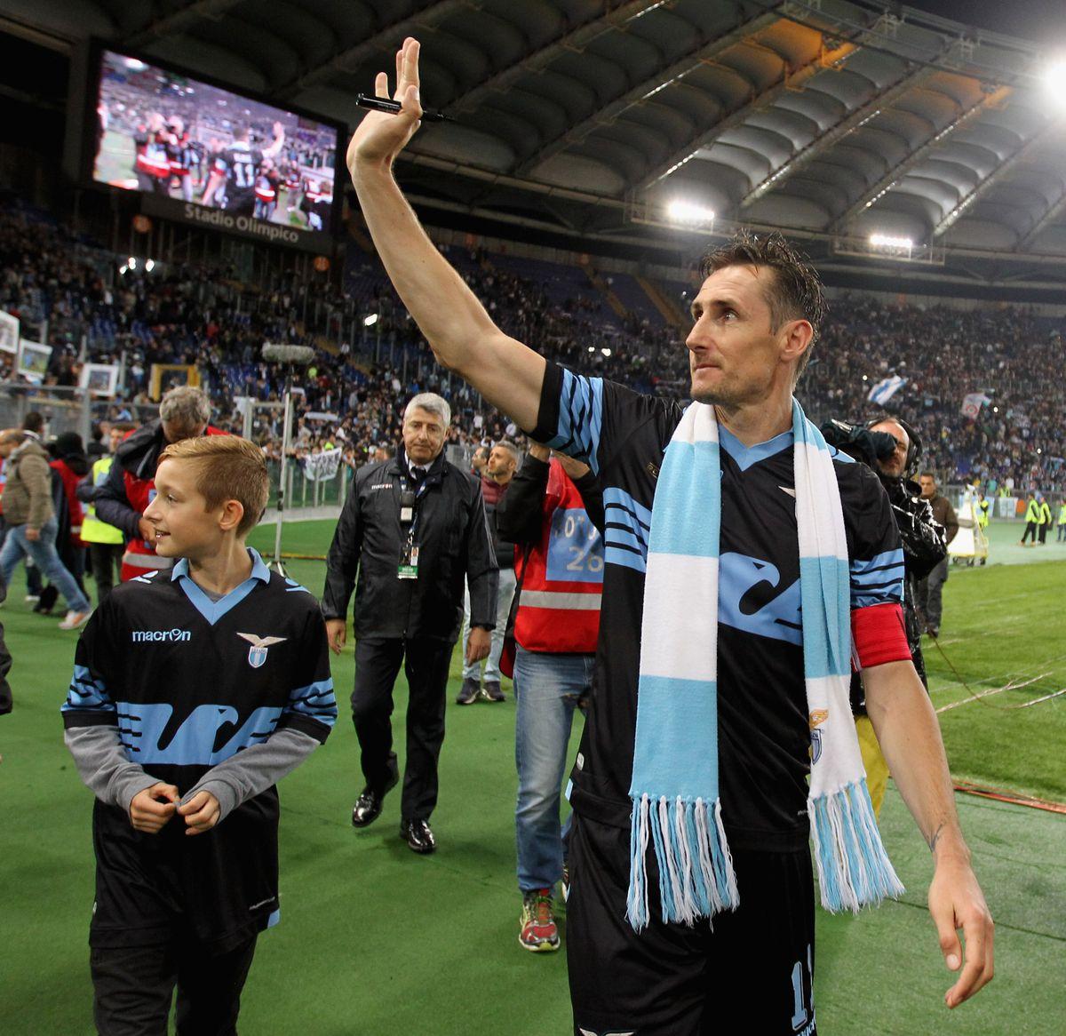 Bayern Munich players and staff react to drawing Lazio in ...