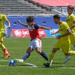 Johan Gomez (9) cutting right during the opening match of the 40th Annual Dallas Cup.