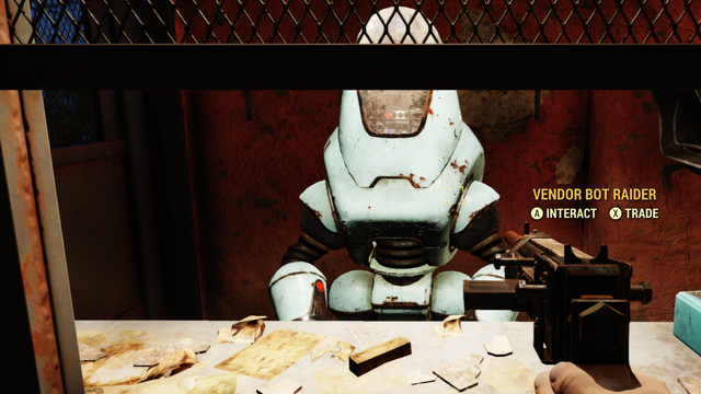 A Securitron manning a shop in <em>Fallout 76</em>.