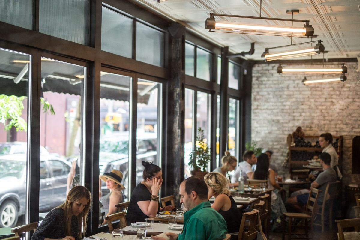 [IVia Carota in the West Village during lunch.]