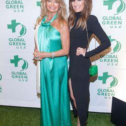 Actress Goldie Hawn and E! News Weekend's Catt Sadler