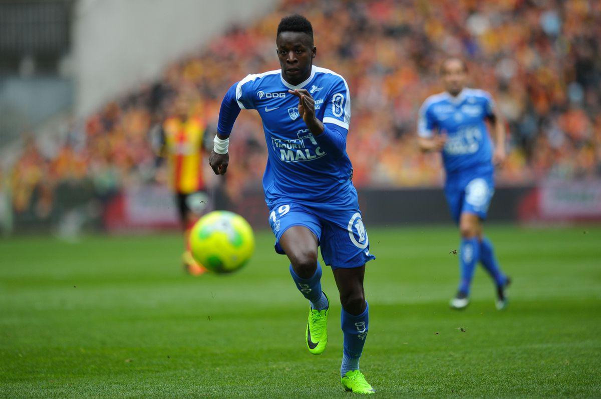 Lens v Brest - French Ligue 2