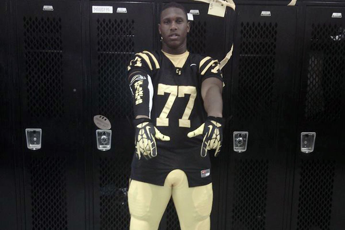 E.J. Price is one of the top offensive lineman in the 2016 recruiting class.