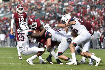 NCAA Football: Connecticut at Temple