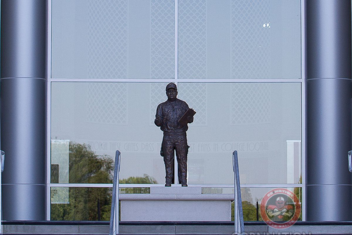 Gallery Photo: Huskers Unveil Statue Honoring Bob Devaney