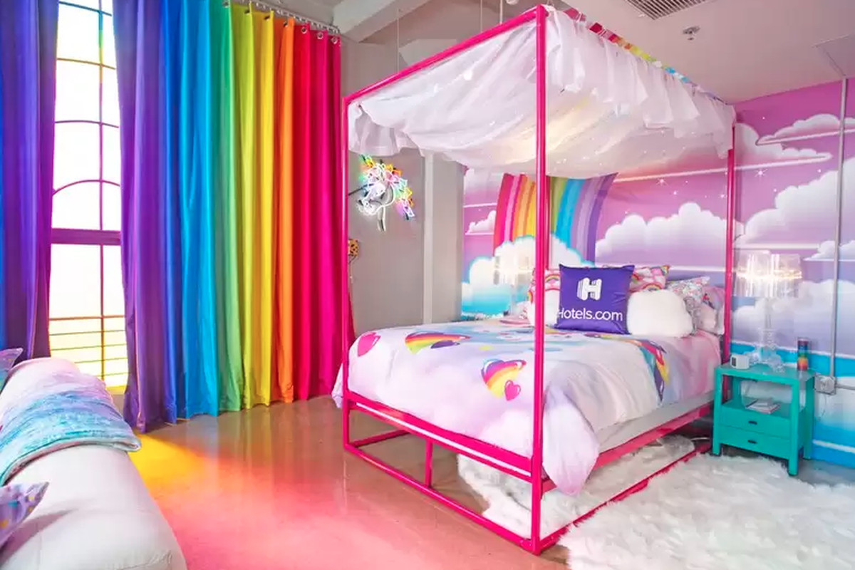 Rent The Multicolored Lisa Frank Room Of Your Dreams For 199 A Night Curbed La