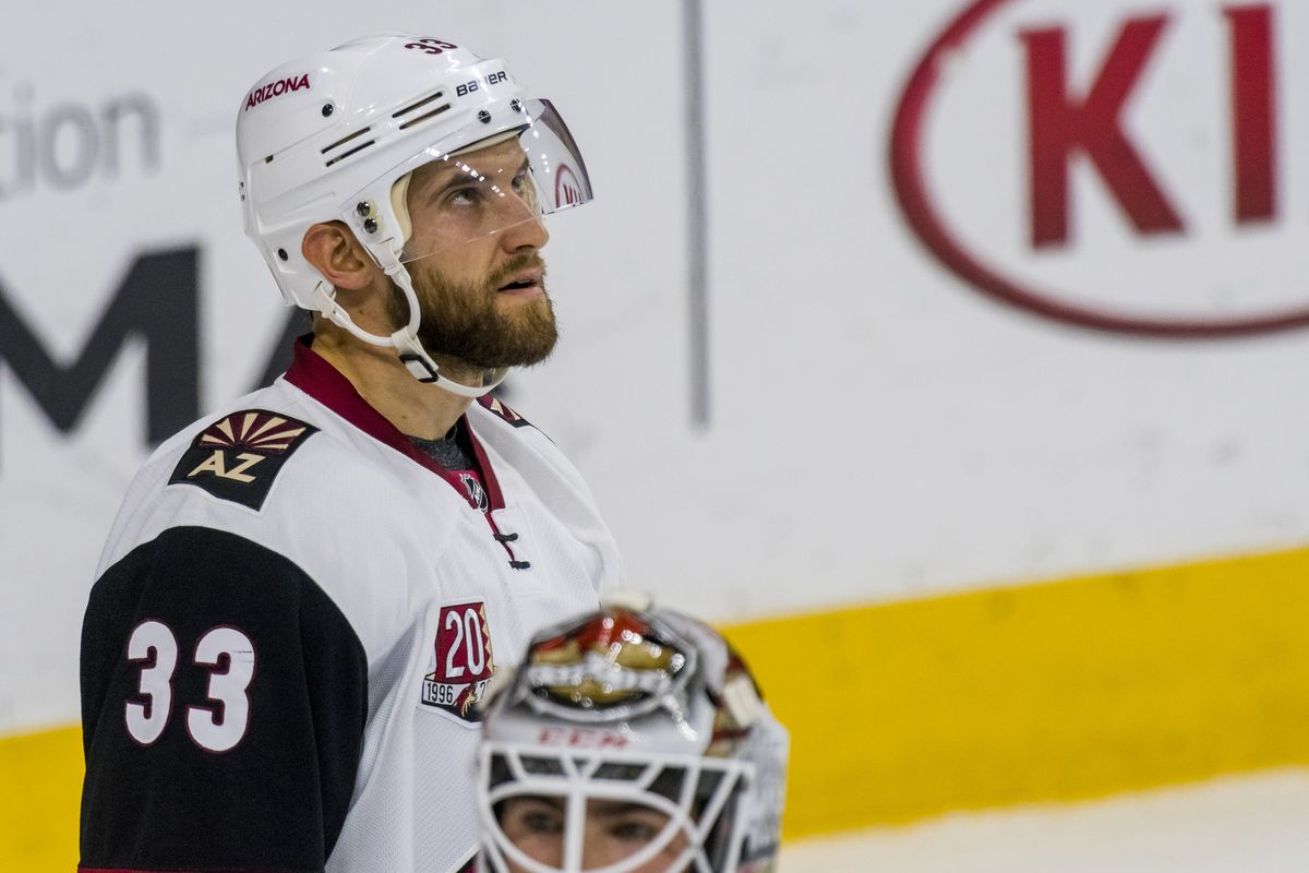 NHL: OCT 27 Coyotes at Flyers