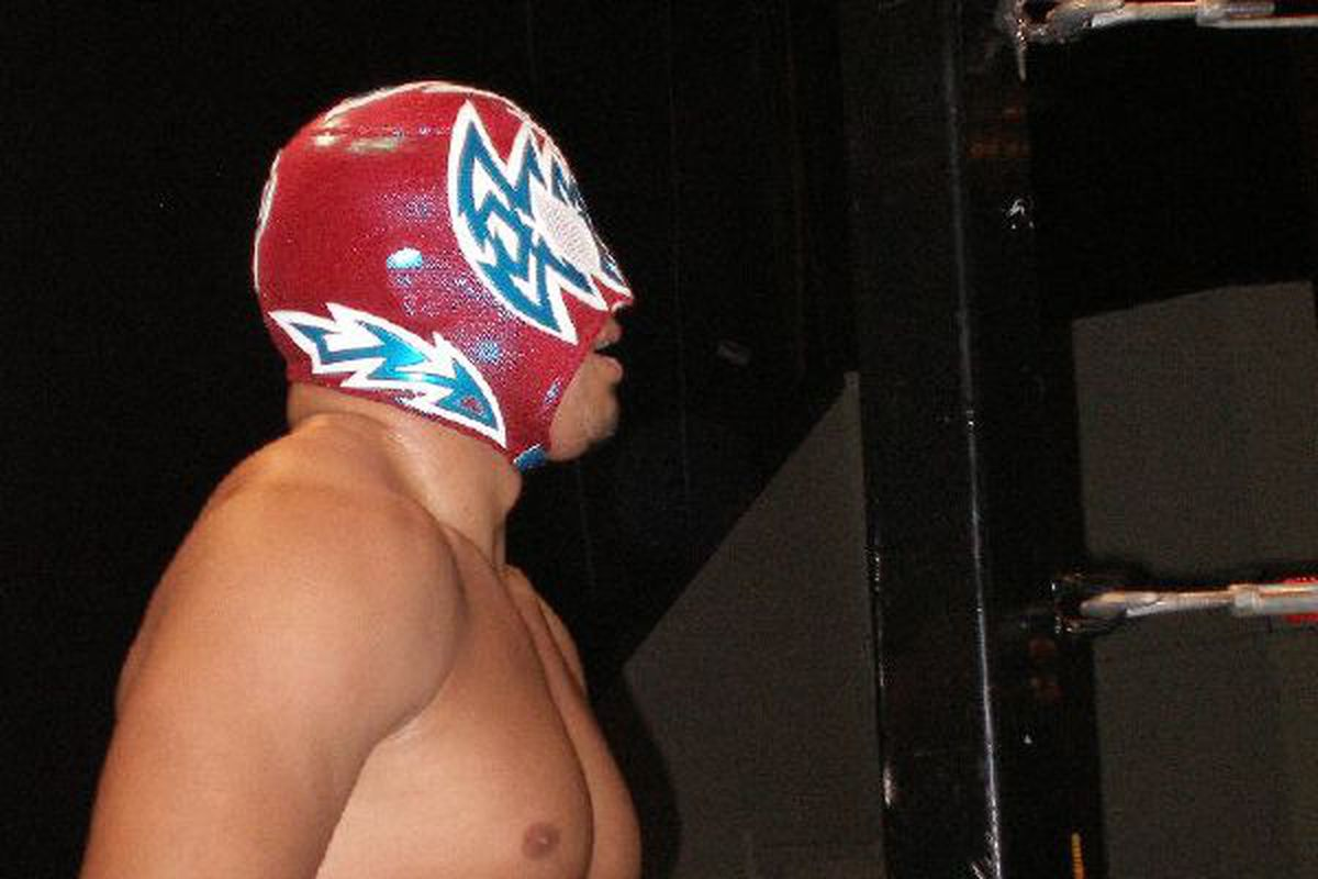 """Hunico, when he was wrestling as Incognito, who may appear on Smackdown next week as Sin Cara.   Via <a href=""""http://upload.wikimedia.org/wikipedia/commons/4/43/Wrestler_Incognito.jpg"""">daysofthundr46's photostream on flickr.</a>"""