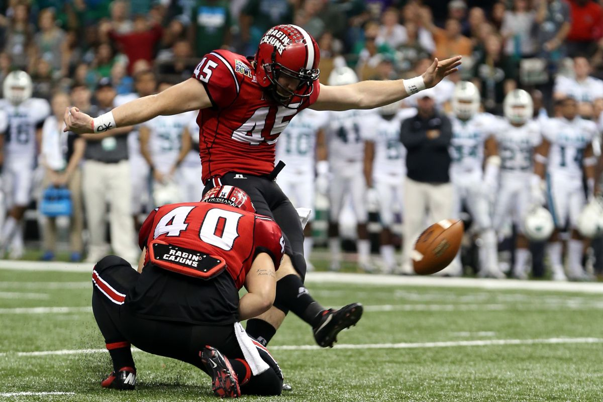 Hunter Stover hits a 27 yard kick in the 2013 New Orleans Bowl