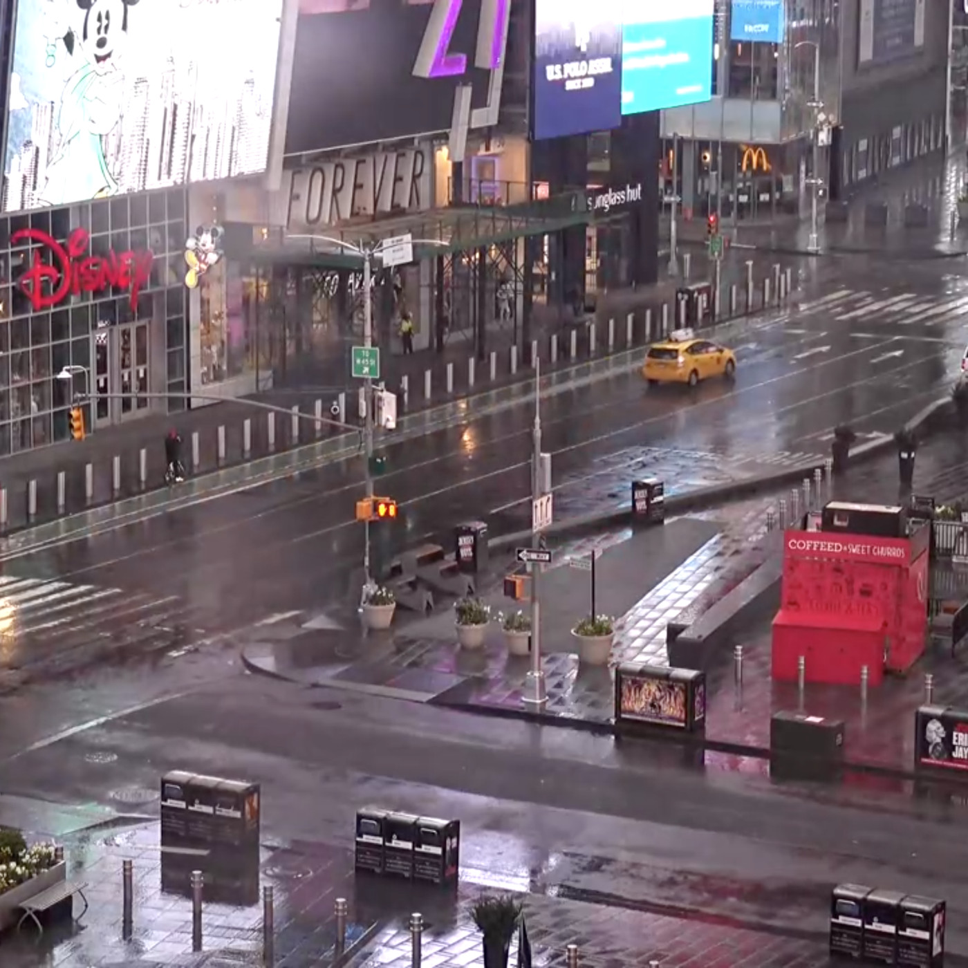 I M Obsessed With This Times Square Live Stream The Verge Your friend is going to move to a city. times square live stream